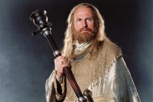 Der Hrothgar Darsteller aus dem Eragon Film